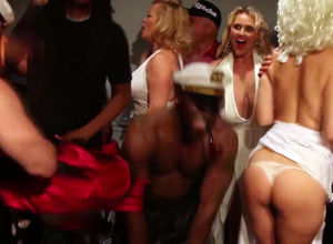 Real nasty female naked twerk compete