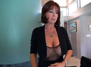 This huge-titted mature gal want to..