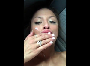Luxurious cougar facial pop-shot..