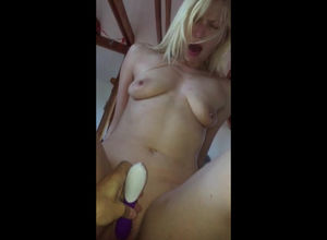 Red-hot blondie mummy rails boner with..